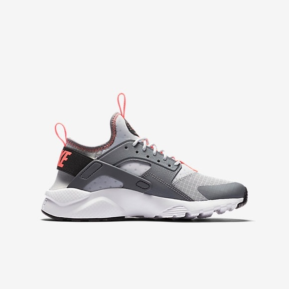 reputable site bdd65 77fc3 Nike Air Huarache Run Ultra GS. M 5b2c7586aaa5b89f53439f4b